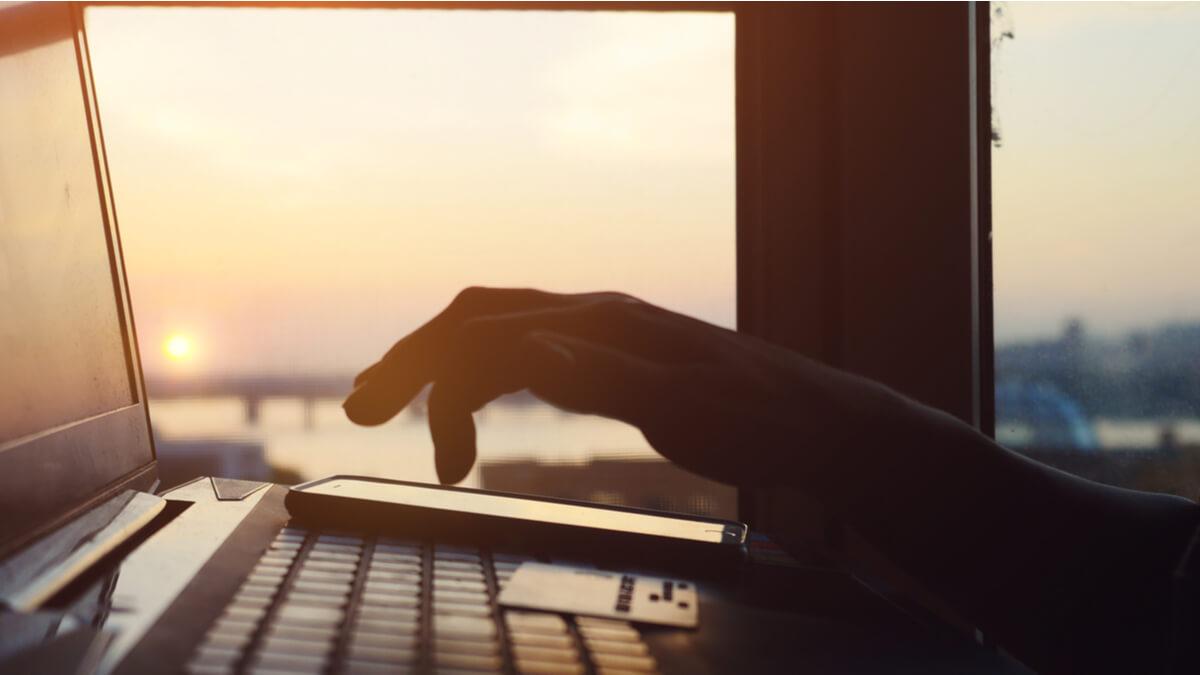 cum să faci bani pe internet managementul riscului în tranzacționarea opțiunilor binare