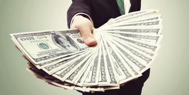 cum poate un pensionar să câștige bani repede