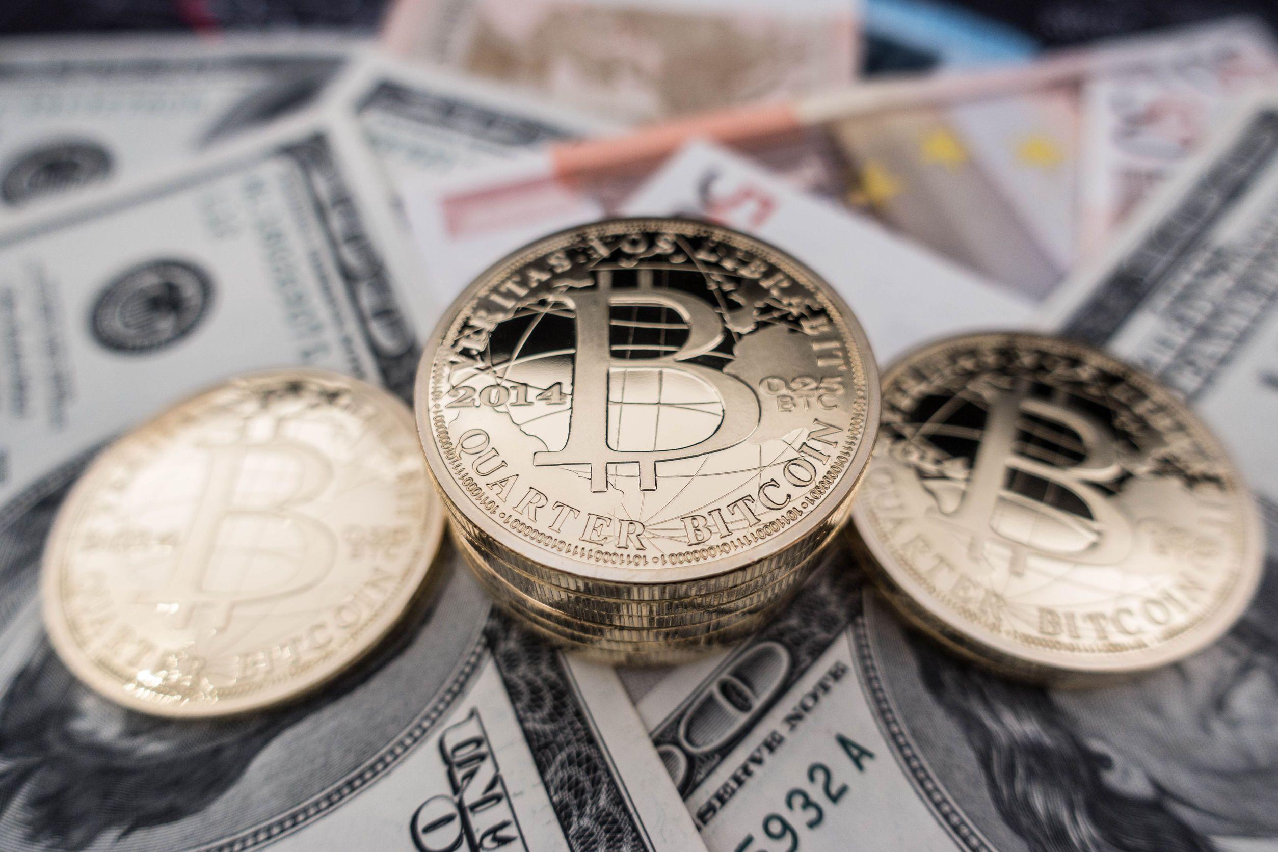 bani bitcoin pentru toată lumea opțiuni binare 2 0 pachet premium