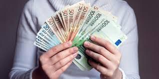 face bani pe cont propriu